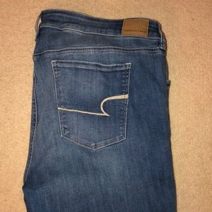 BARELY WORN!! American Eagle Stretch Skinny Jeans